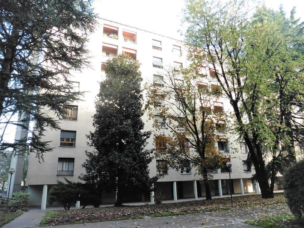 Appartamento in Vendita a Monza: 3 locali, 76 mq