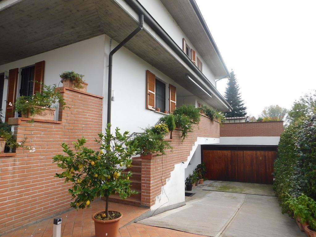 Villa unifamiliare in vendita - 270 mq
