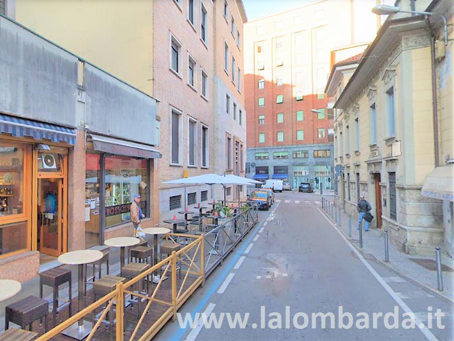 Negozio-locale in Vendita a Varese: 2 locali, 100 mq