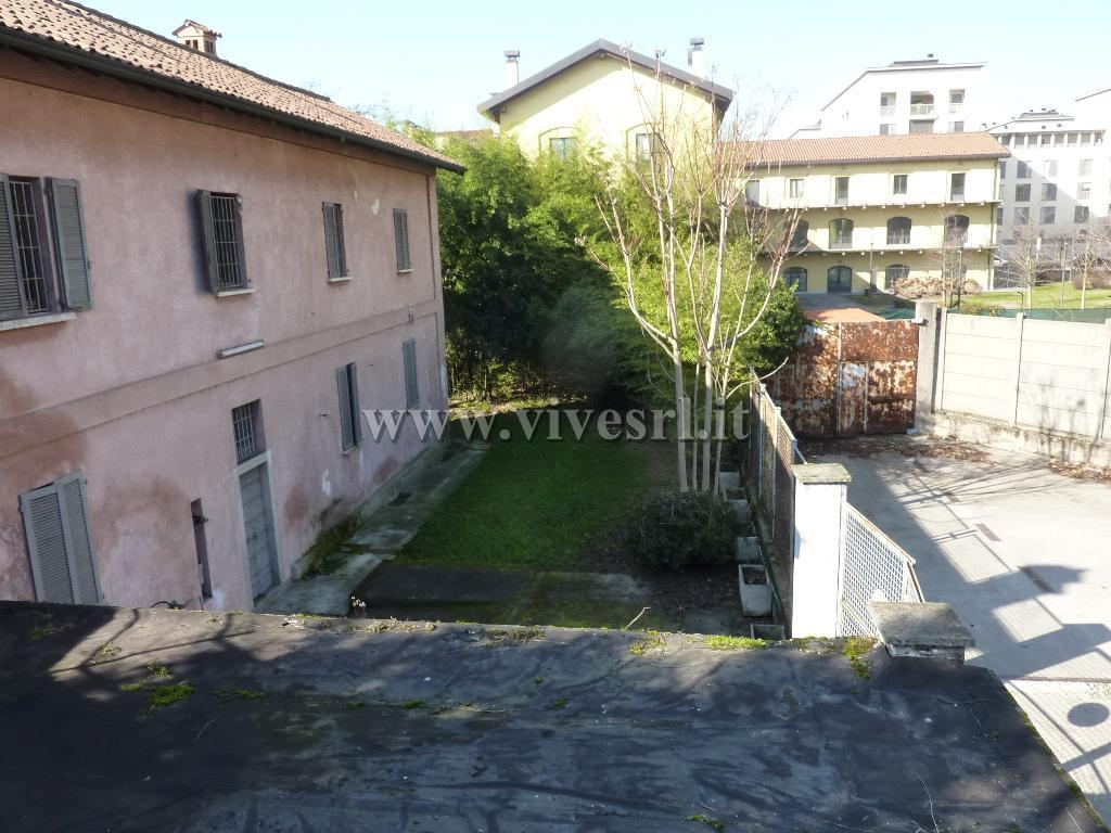 Casa indipendente in Vendita a Milano 24 Chiesa Rossa / Gratosoglio / Vigentino: 4 locali, 550 mq