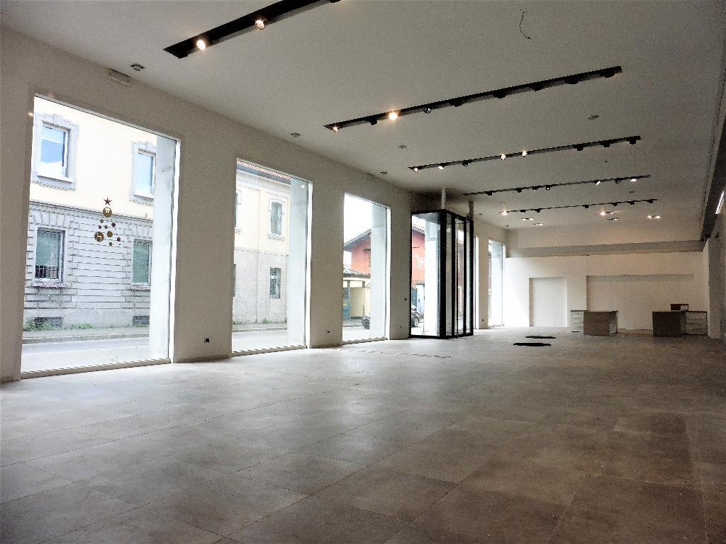 Ufficio-studio in Affitto a Monza: 1 locali, 380 mq