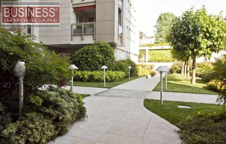 Appartamento di lusso in vendita a milano via timavo - Giardino condominiale ...