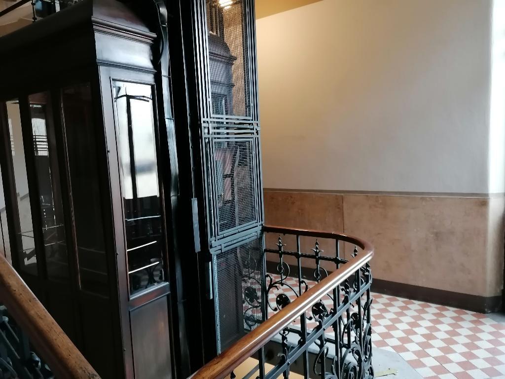 Ufficio-studio in Affitto a Milano 03 Venezia / Piave / Buenos Aires: 5 locali, 110 mq
