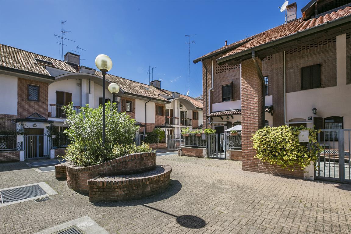 Villetta in Vendita a San Donato Milanese: 5 locali, 200 mq