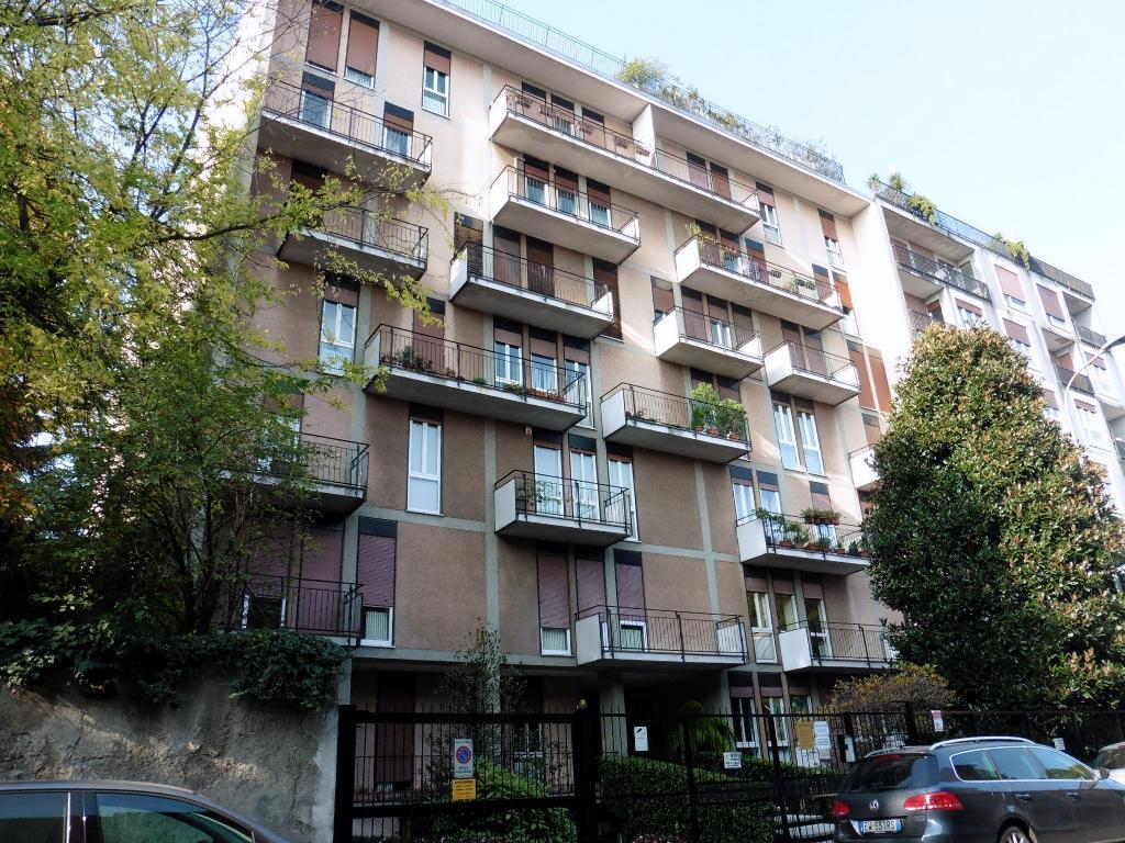 Appartamento in Vendita a Monza: 2 locali, 67 mq