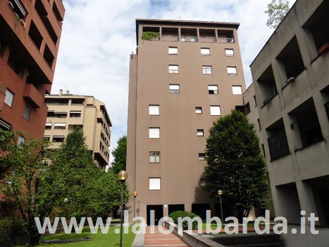 Appartamento in Affitto a Monza: 2 locali, 55 mq