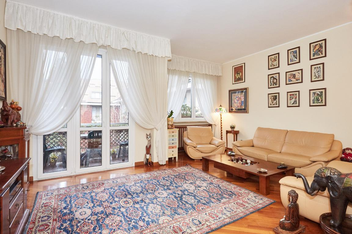 Appartamento in Vendita a Milano: 4 locali, 130 mq