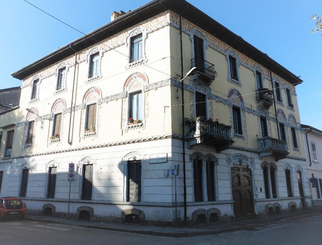 Ufficio-studio in Affitto a Monza: 3 locali, 113 mq