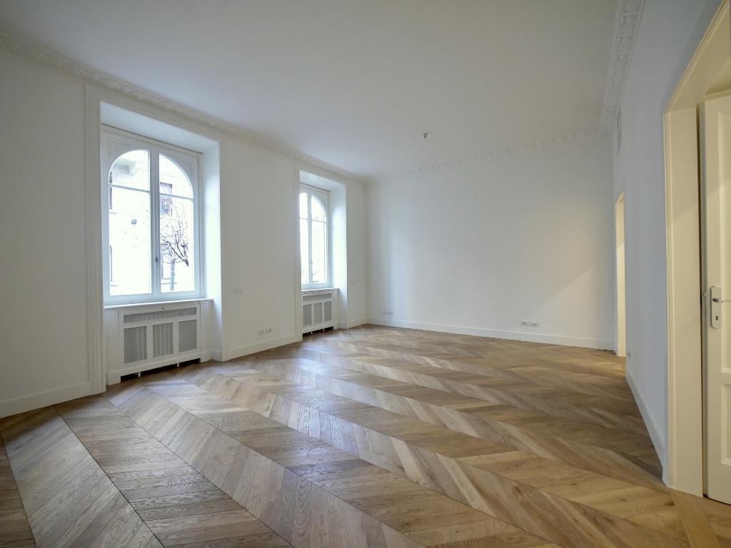 Ufficio-studio in Affitto a Milano: 5 locali, 170 mq