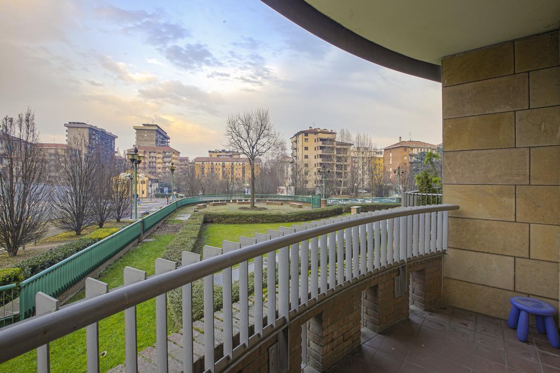 Appartamento in Vendita a San Donato Milanese: 3 locali, 95 mq