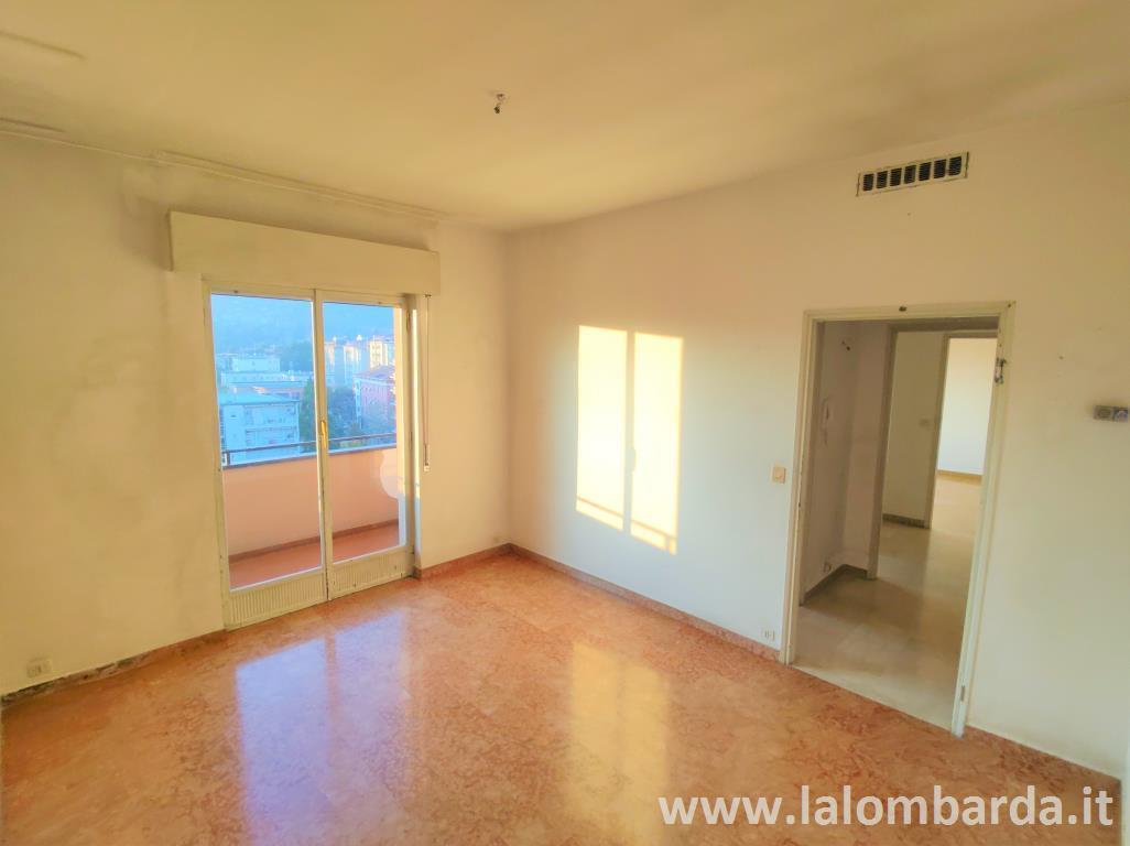 Appartamento in Vendita a Erba: 2 locali, 63 mq