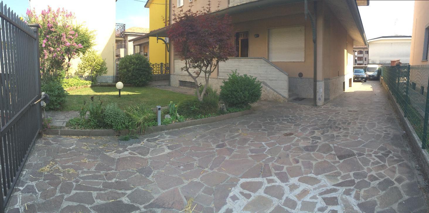 Villa in Vendita a Ronco Briantino: 5 locali, 310 mq