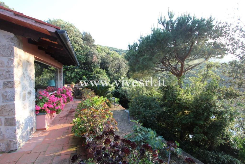 Villa in Vendita a Marciana: 4 locali, 180 mq