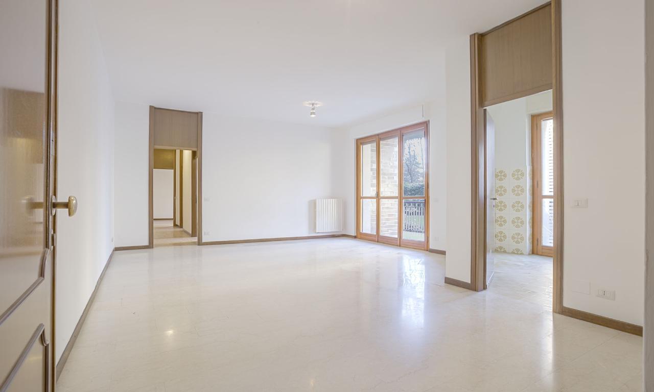 Appartamento in Vendita a San Donato Milanese: 3 locali, 108 mq