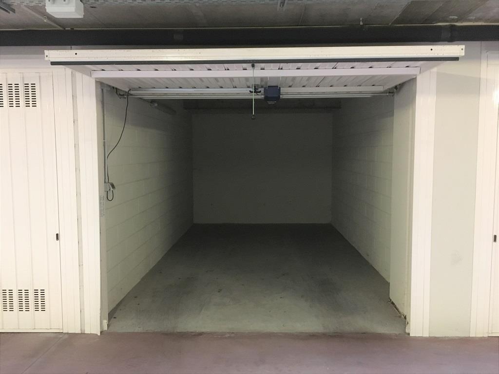Nuovo box  in affitto - 18 mq