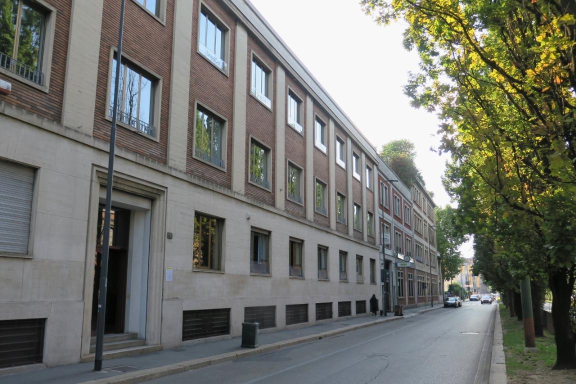Ufficio-studio in Vendita a Milano: 4 locali, 310 mq