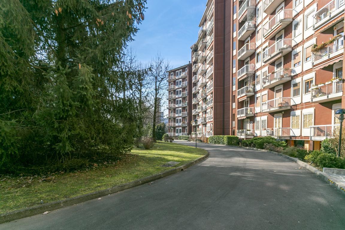 Appartamento in Vendita a San Donato Milanese: 4 locali, 152 mq