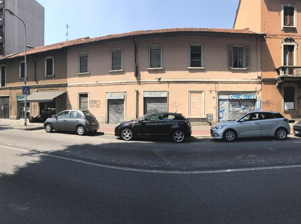 Palazzi in italia annunci immobiliari for Affitto officina roma