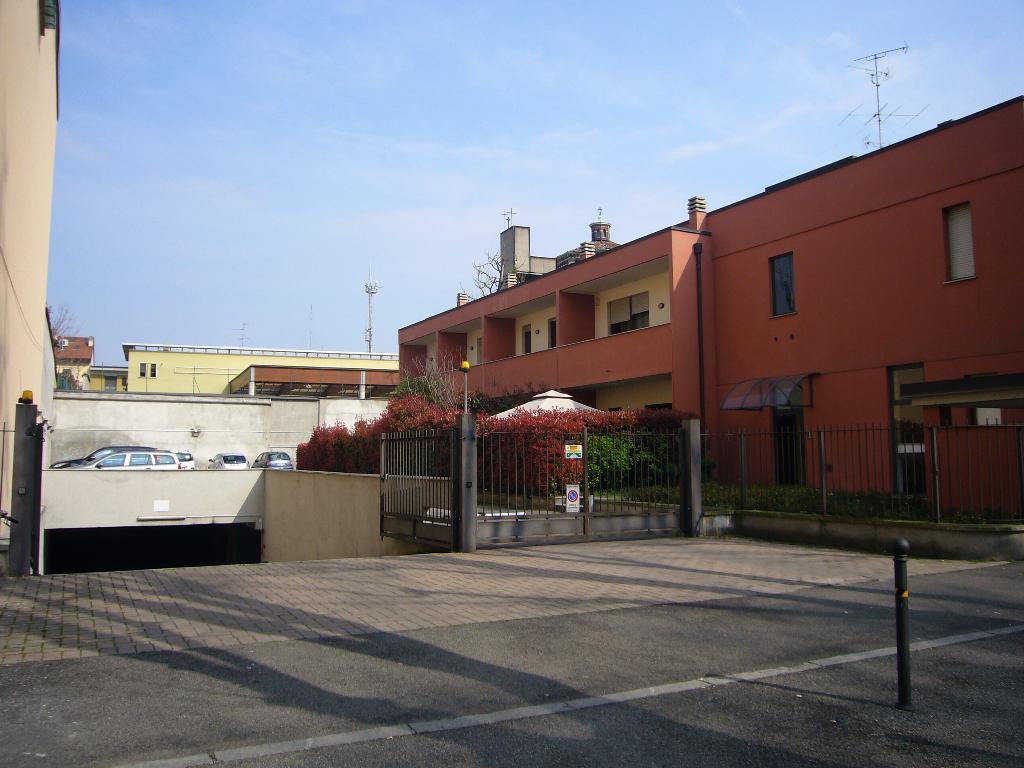 Posto-box auto in Affitto a Monza: 1 locali, 25 mq
