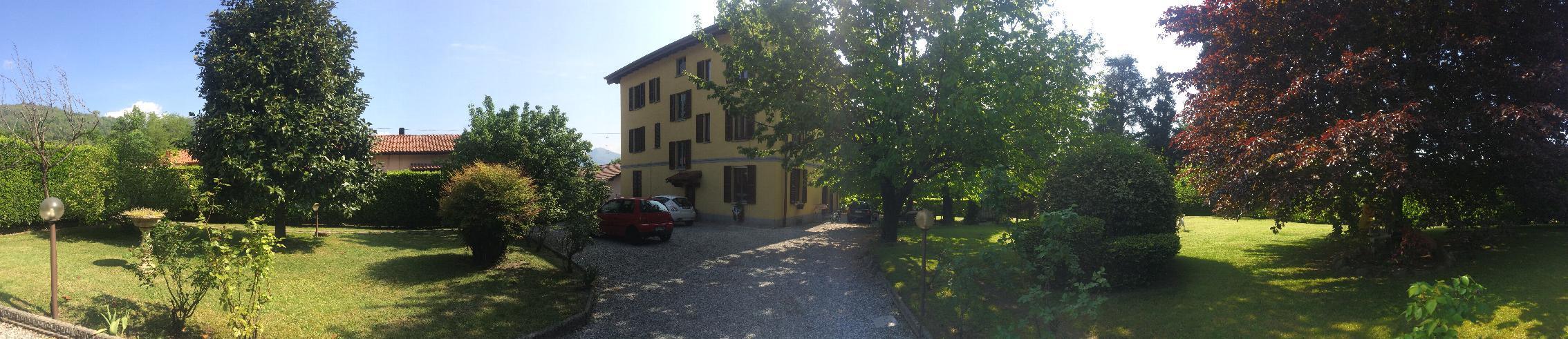 Casa indipendente in Vendita a Erba: 5 locali, 600 mq