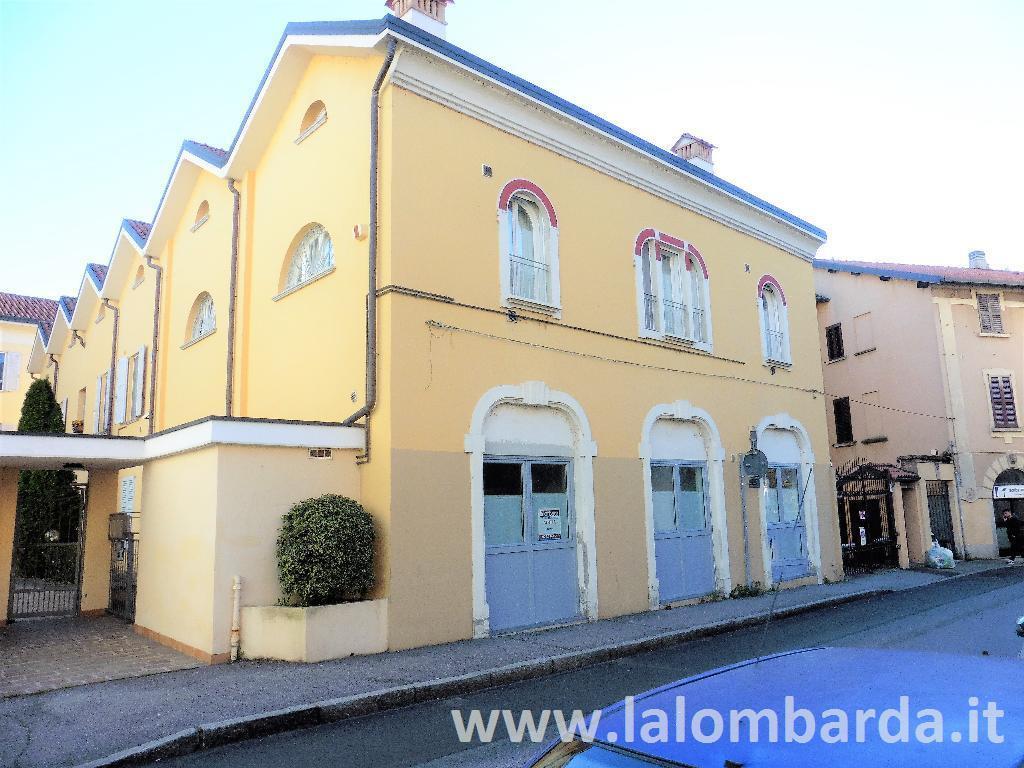 Ufficio-studio in Affitto a Monza: 2 locali, 50 mq