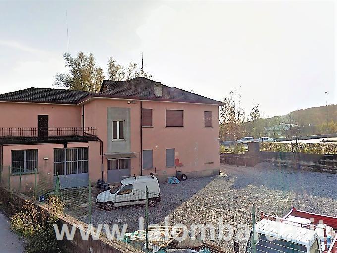 Casa indipendente in Vendita a Inverigo: 5 locali, 400 mq