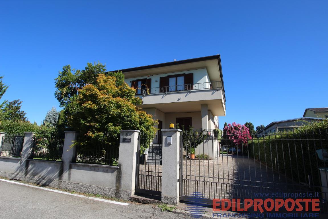 Vendita Trilocale Appartamento Lazzate Via Rmembranze  227974