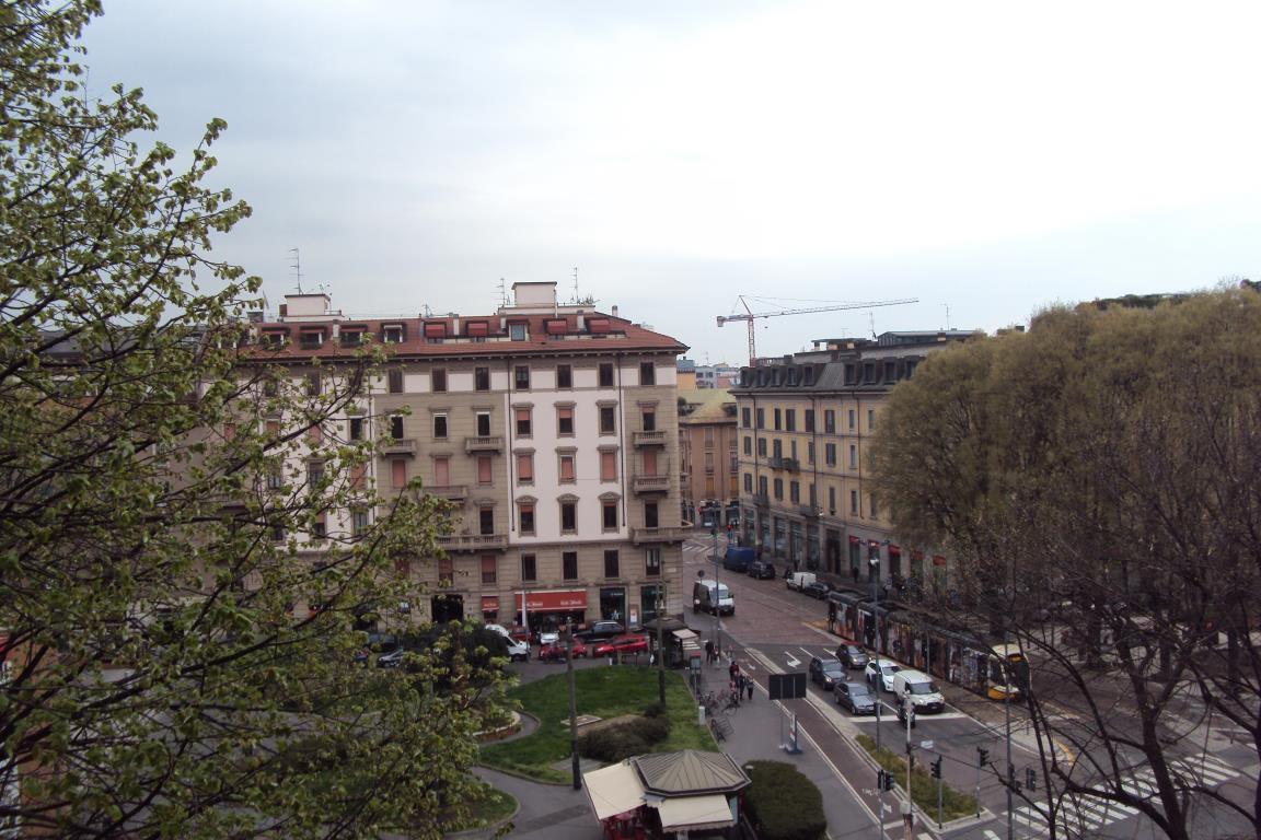 Appartamento in Affitto a Milano 01 Centro storico (Cerchia dei Navigli): 5 locali, 177 mq