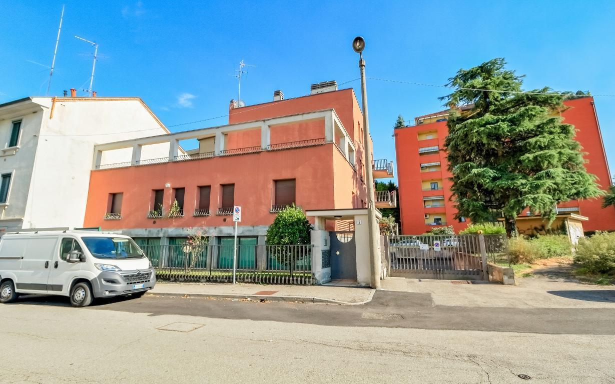 Appartamento in Vendita a Monza:  2 locali, 45 mq  - Foto 1