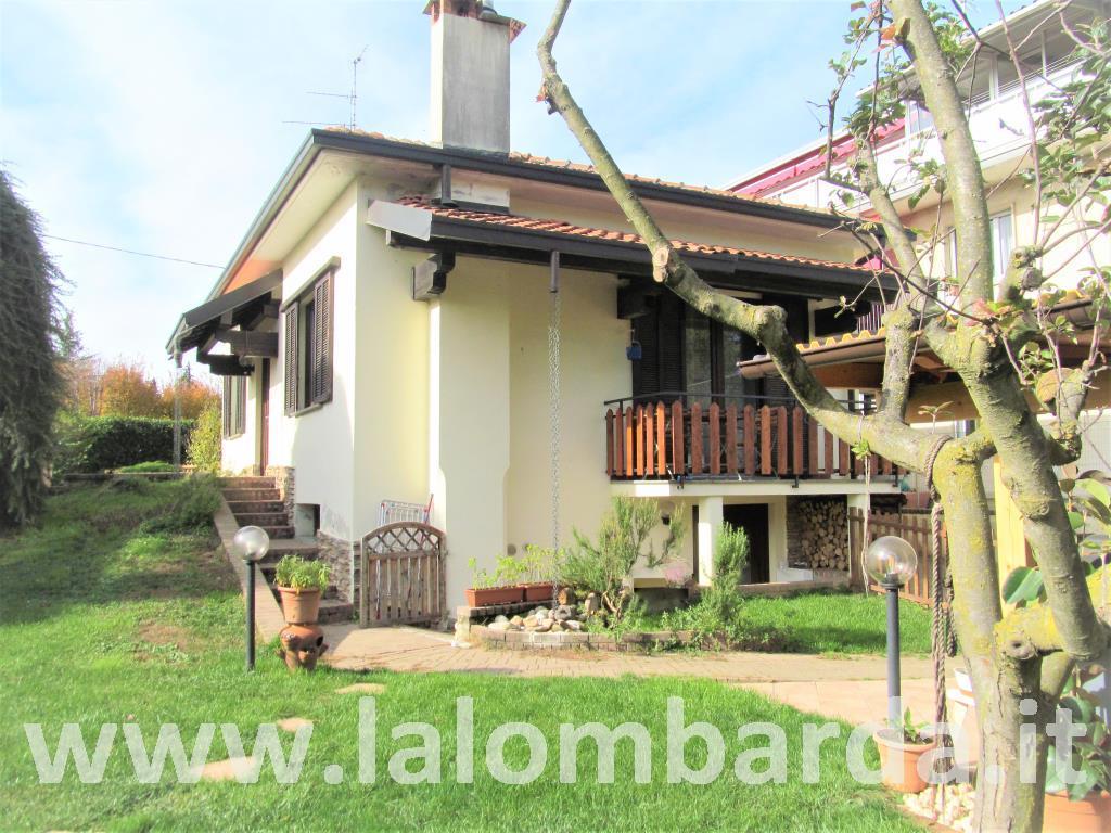 Villa in Vendita a Tradate: 4 locali, 130 mq