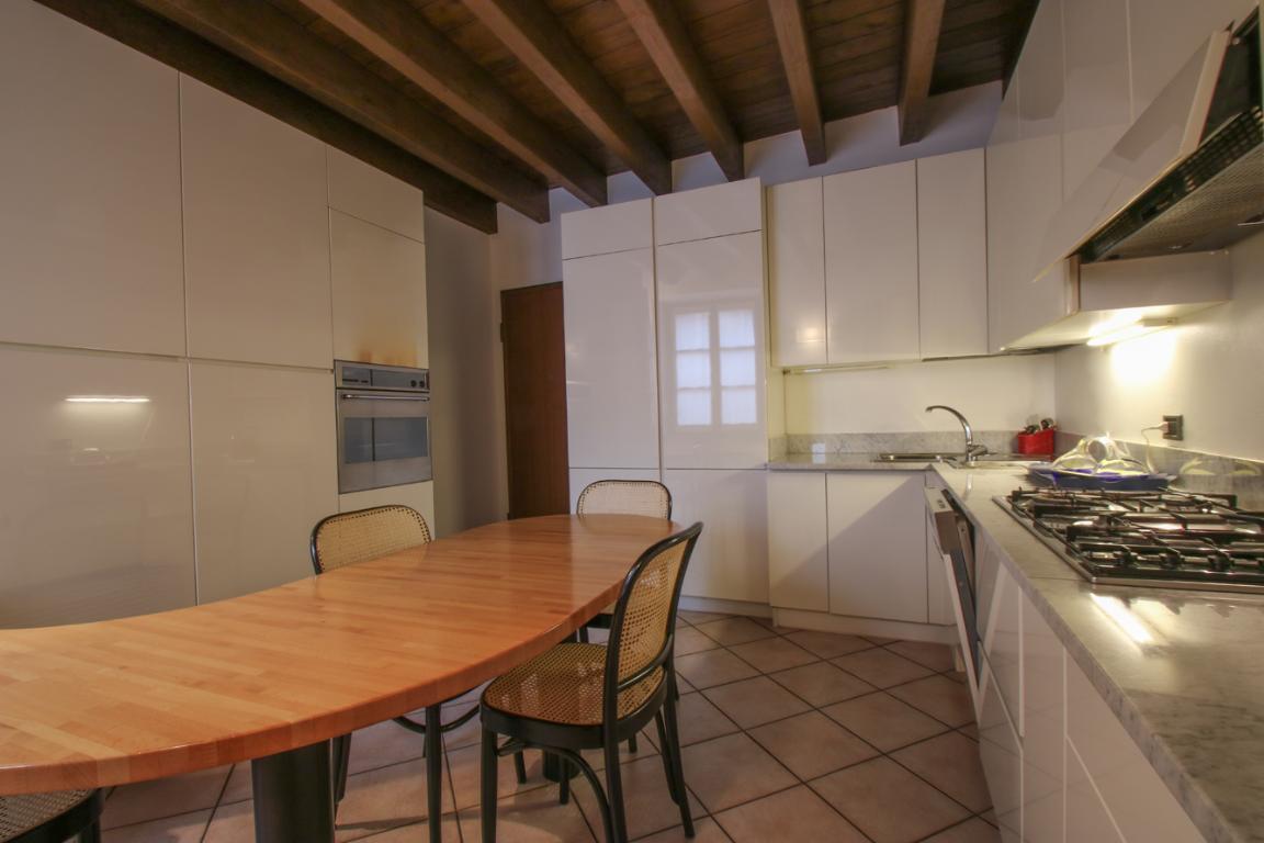 Appartamento in Vendita a Como: 4 locali, 272 mq - Foto 6