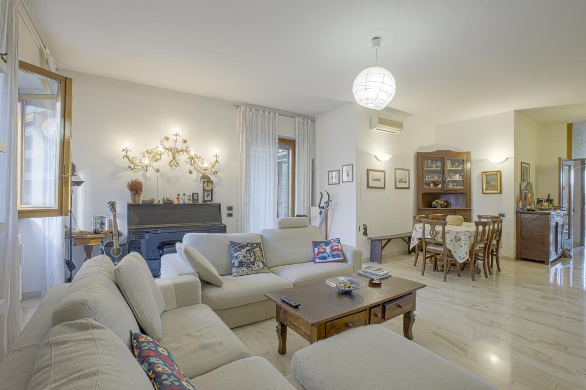 Appartamento in vendita a san donato milanese trovocasa for Arredamenti ballabio san donato milanese