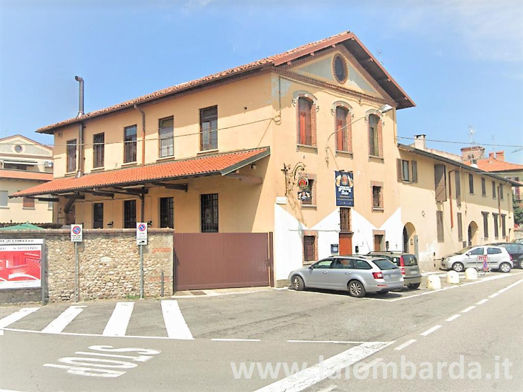 Palazzo in Vendita a Lomazzo: 5 locali, 400 mq