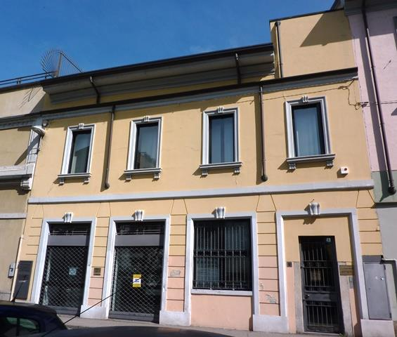 Ufficio-studio in Vendita a Monza: 5 locali, 440 mq