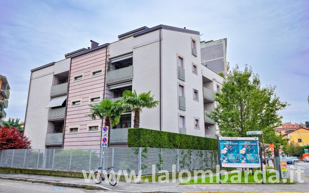 Appartamento in Vendita a Monza:  2 locali, 63 mq  - Foto 1