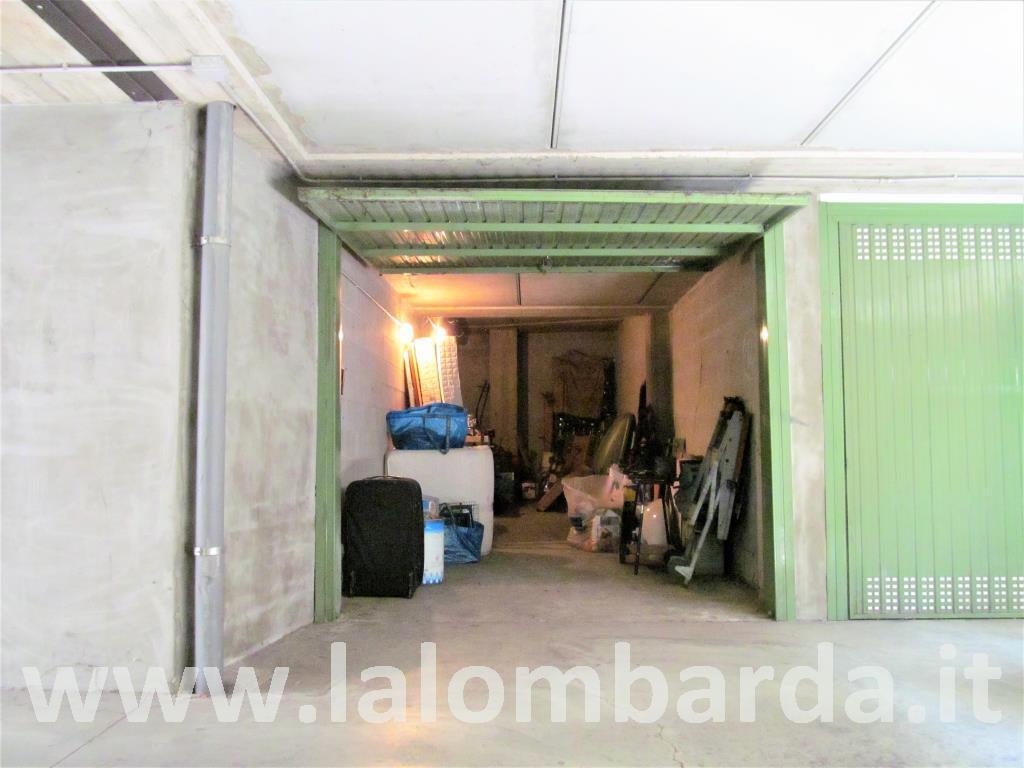 Posto-box auto in Vendita a Nova Milanese: 1 locali, 26 mq
