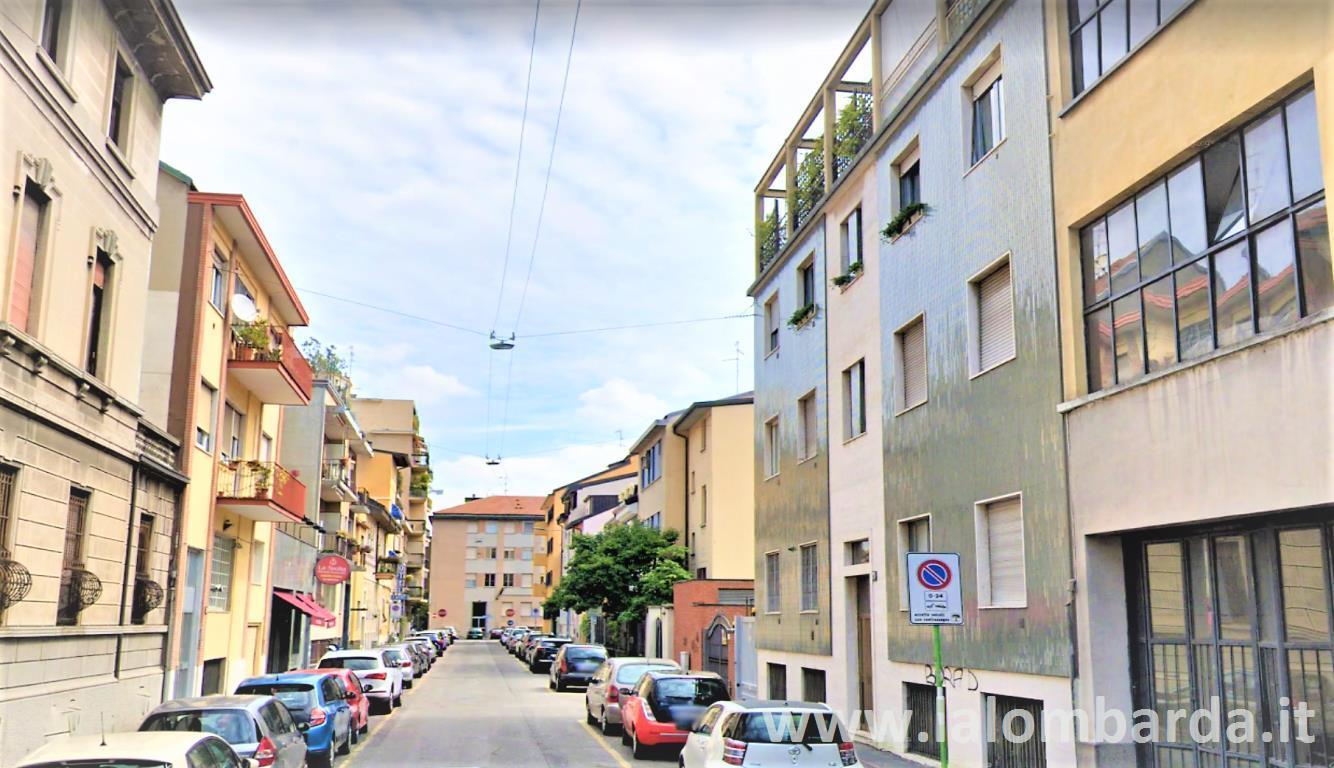Appartamento in Vendita a Milano 17 Marghera / Wagner / Fiera: 2 locali, 65 mq