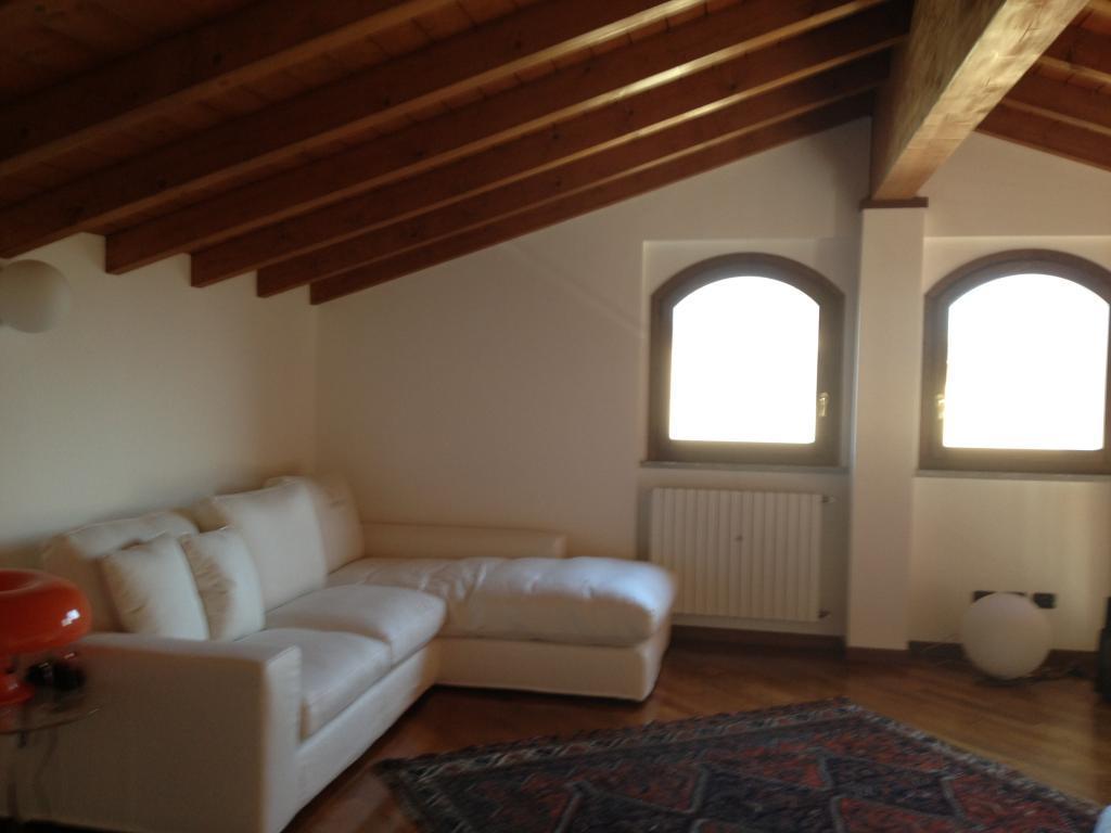 Appartamento in Vendita a Rognano: 4 locali, 135 mq