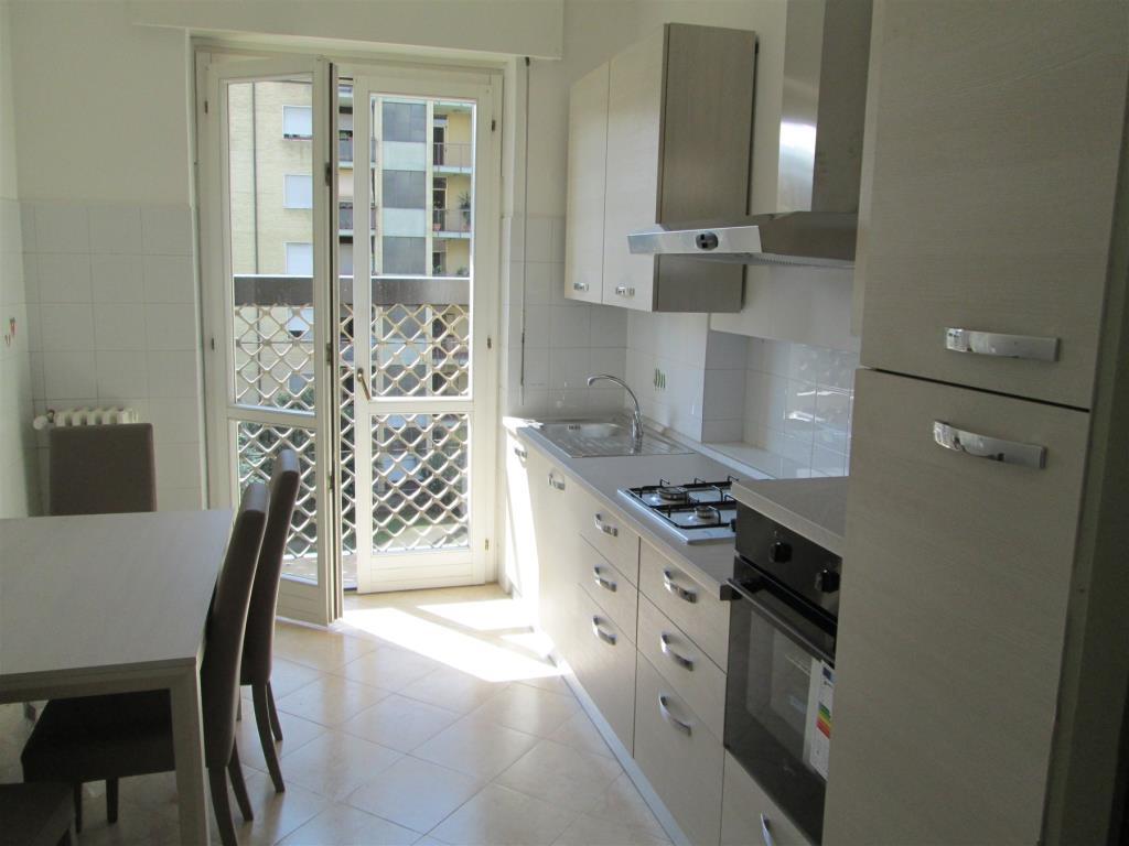 Appartamento in Affitto a Cesano Boscone: 3 locali, 94 mq