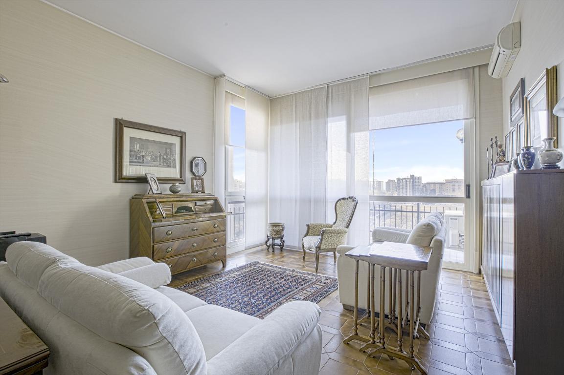 Appartamento in Vendita a San Donato Milanese: 4 locali, 134 mq
