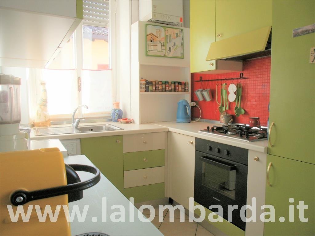 Appartamento in Vendita a Albese Con Cassano: 3 locali, 82 mq