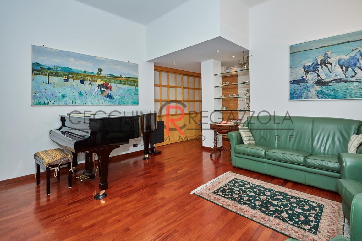 Appartamento in Vendita a Milano: 4 locali, 136 mq - Foto 3