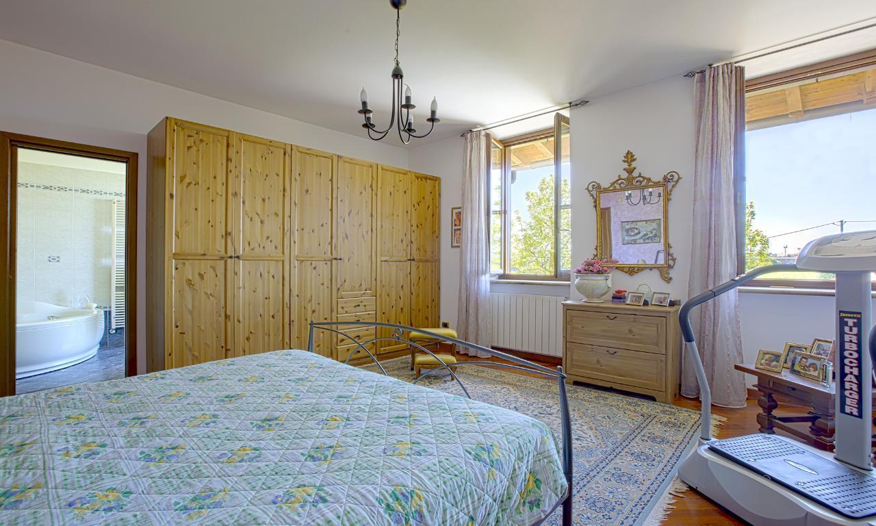 Villa in vendita a san giuliano milanese cascina la folla for Corbetta arredamenti san giuliano milanese