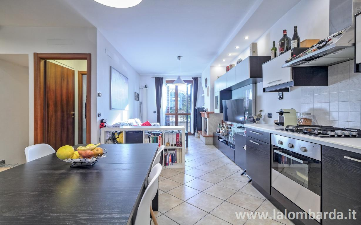 Appartamento in Vendita a Cologno Monzese:  2 locali, 96 mq  - Foto 1