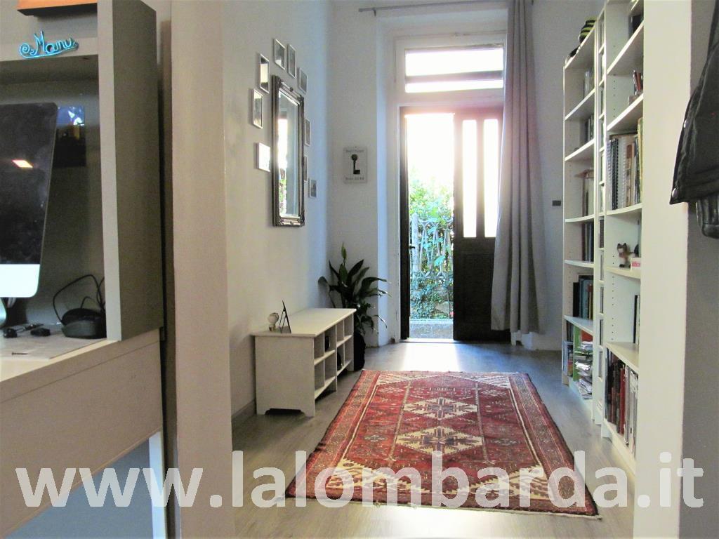Villa in Vendita a Tradate:  5 locali, 300 mq  - Foto 1