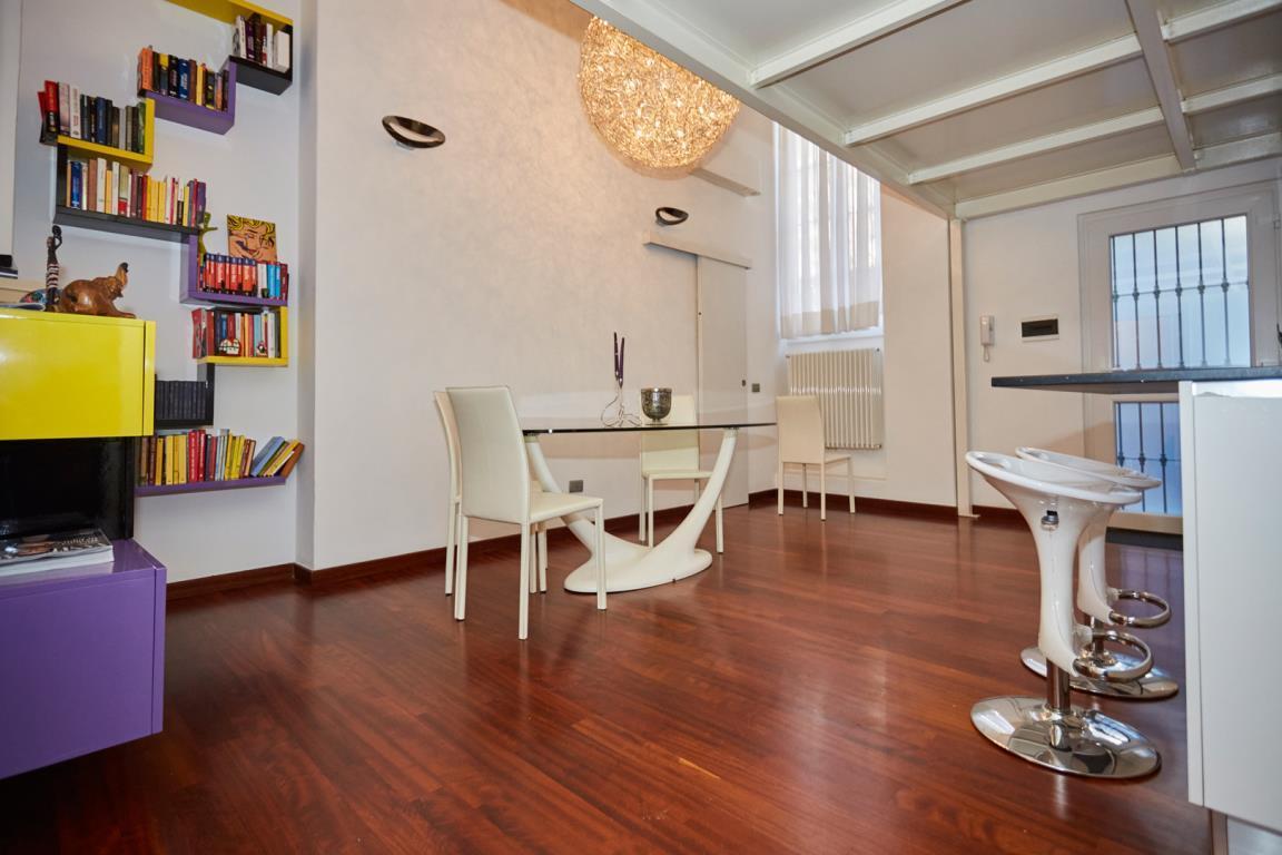 Loft open space in Vendita a Milano 15 Castelbarco / Argelati / Navigli: 2 locali, 85 mq