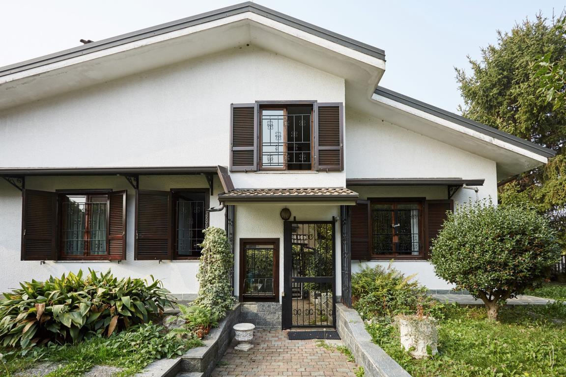 Villa in Vendita a Paderno Dugnano: 5 locali, 309 mq