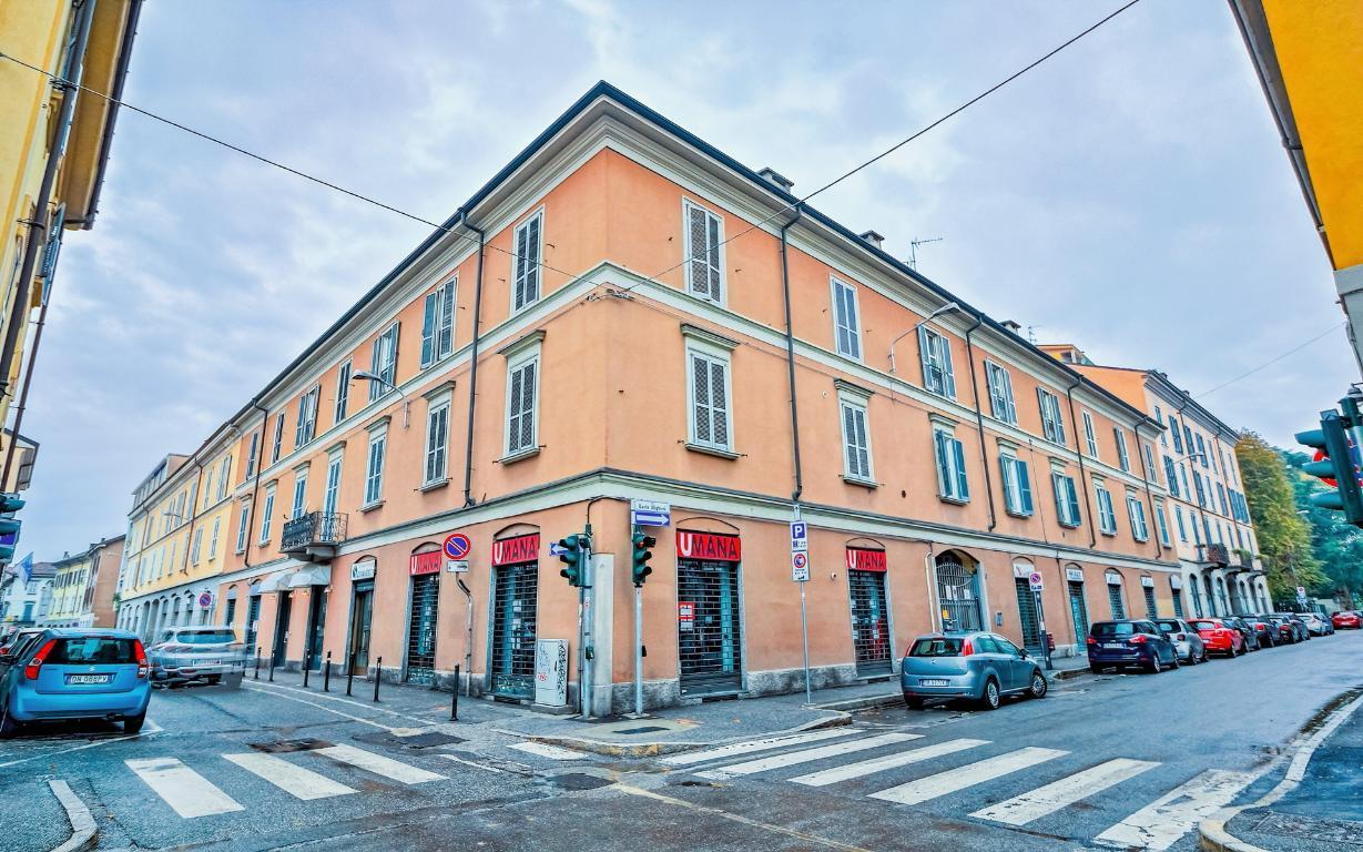 Negozio-locale in Vendita a Monza: 80 mq