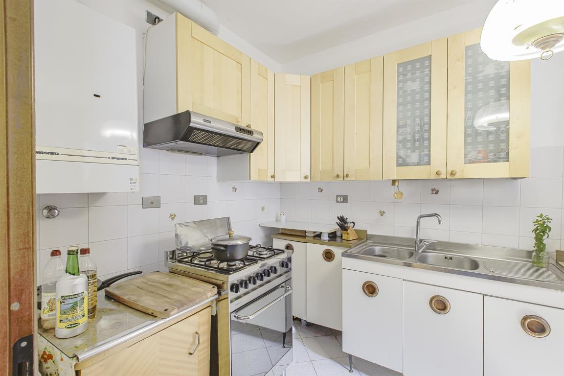 Appartamento in vendita a san donato milanese via parri for Arredamenti ballabio san donato milanese