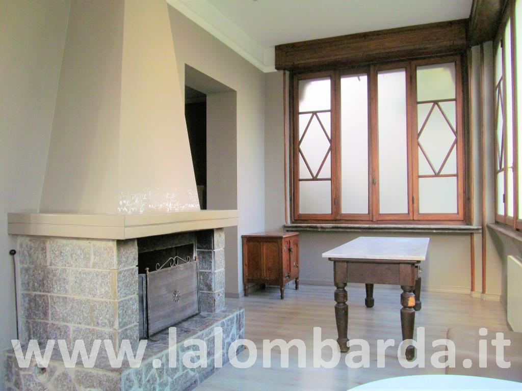 Villa in Vendita a Tradate: 5 locali, 250 mq